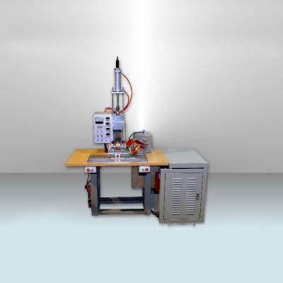 4KW 單頭尿袋管專用高週波塑膠熔接機